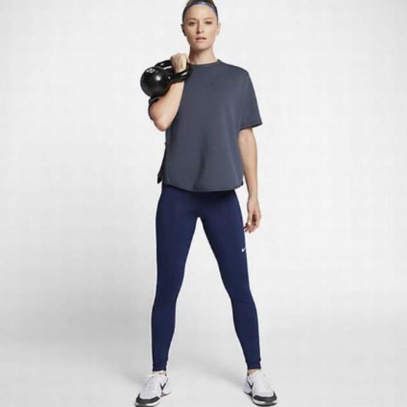 29d910dc025c Nike Dry Womens Training Short Sleeve NEW